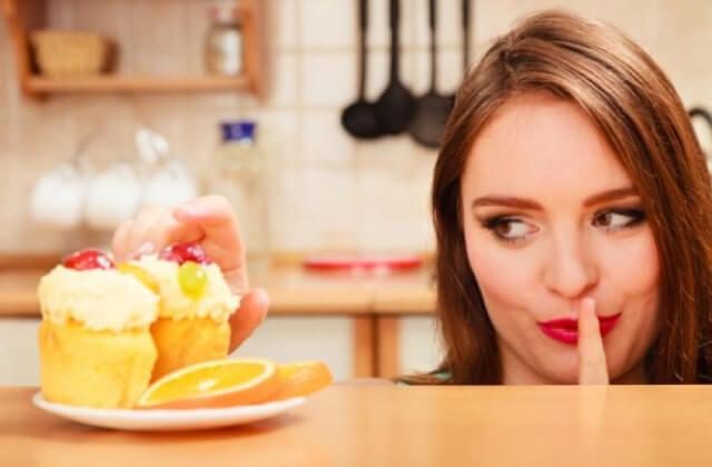 風俗嬢が仕事中に食べたらダメな物