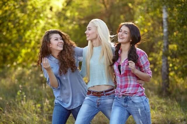 風俗で働いている女性同士は仲が良い?上手な付き合い方は?