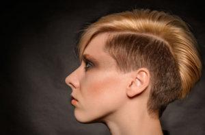 剃り込みヘア